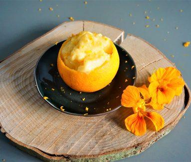 gevulde sinaasappel met frozen yoghurt