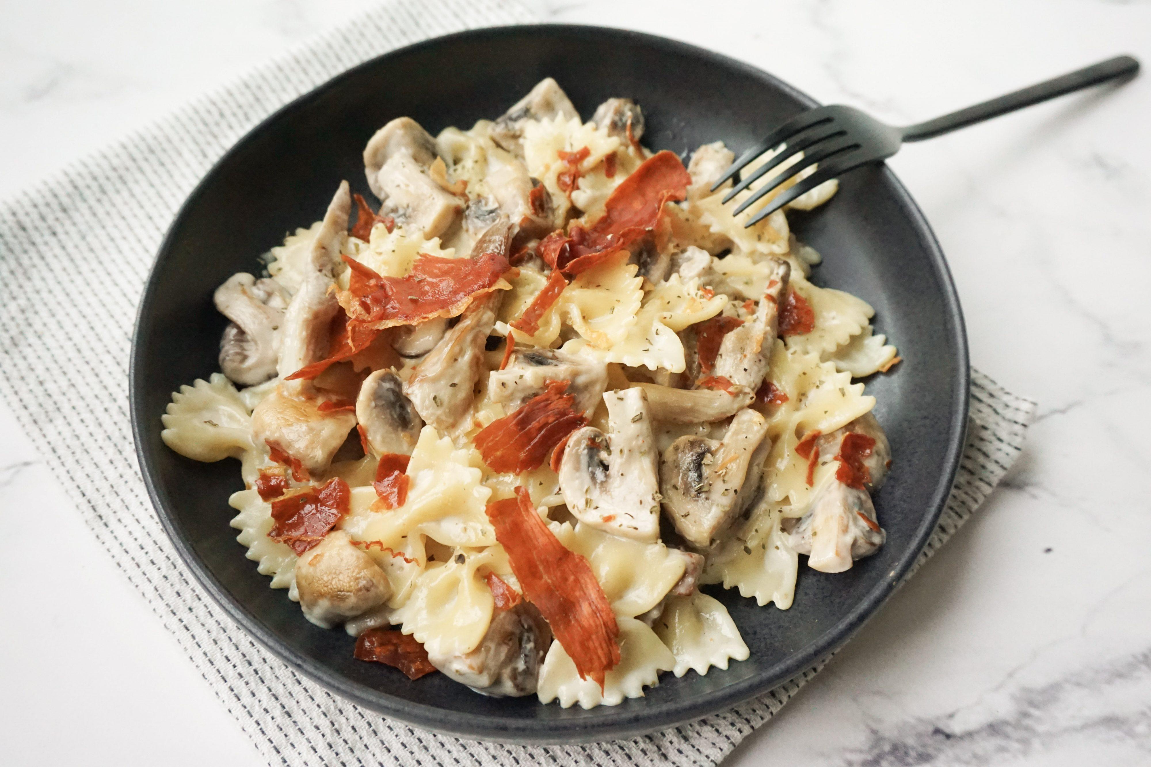 pasta met krokante serranoham
