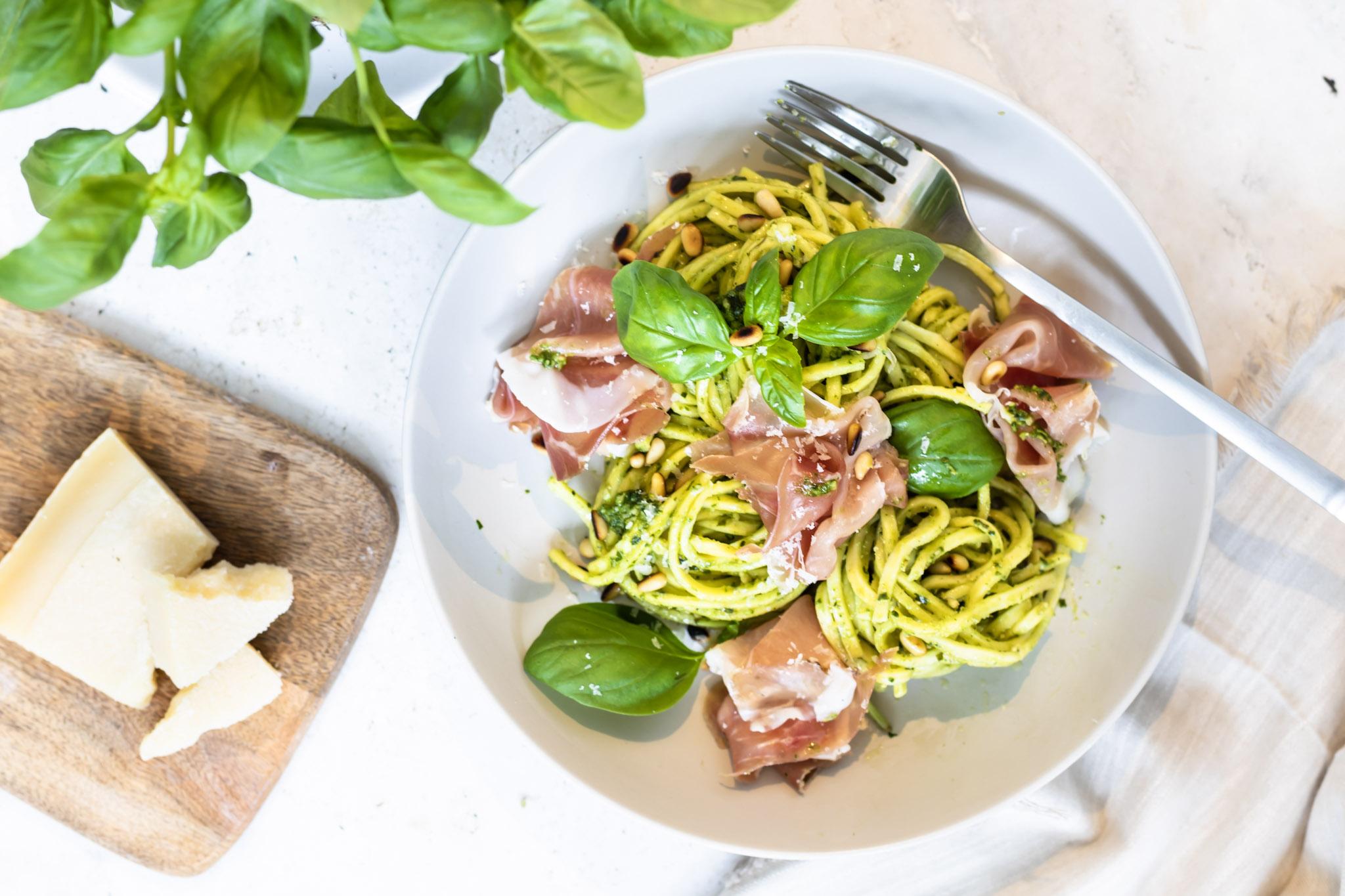Spaghetti met Pesto en Parmaham