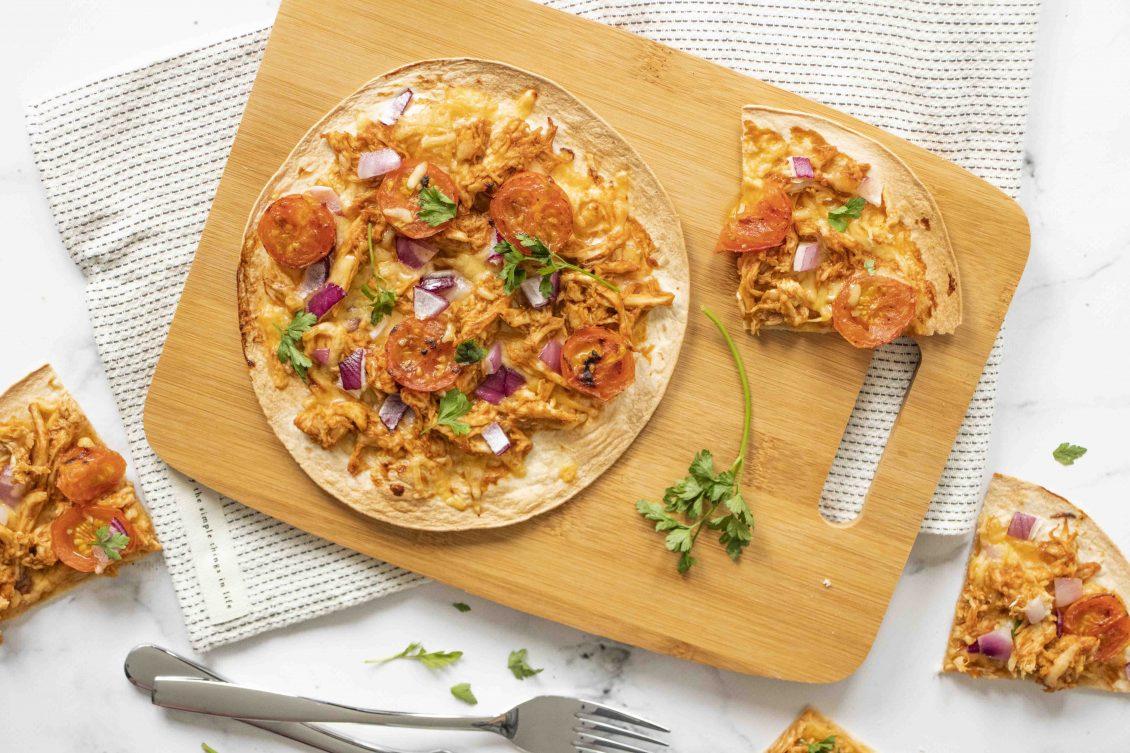 Tortizza met bbq kip met cherrytomaten