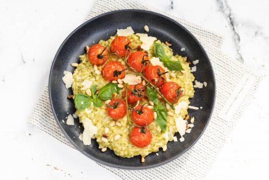 Groene Pesto Risotto met gegrilde tomaten
