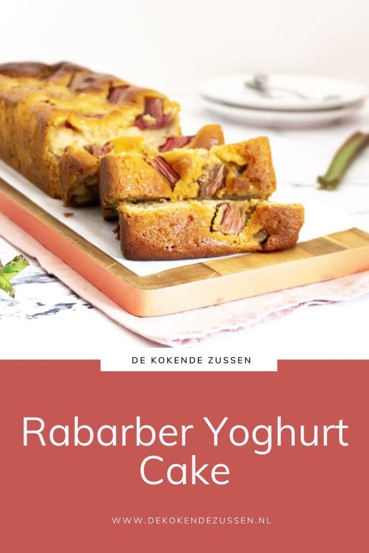 Rabarber Yoghurt Cake