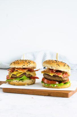 Oude Kaas Hamburger met Spek