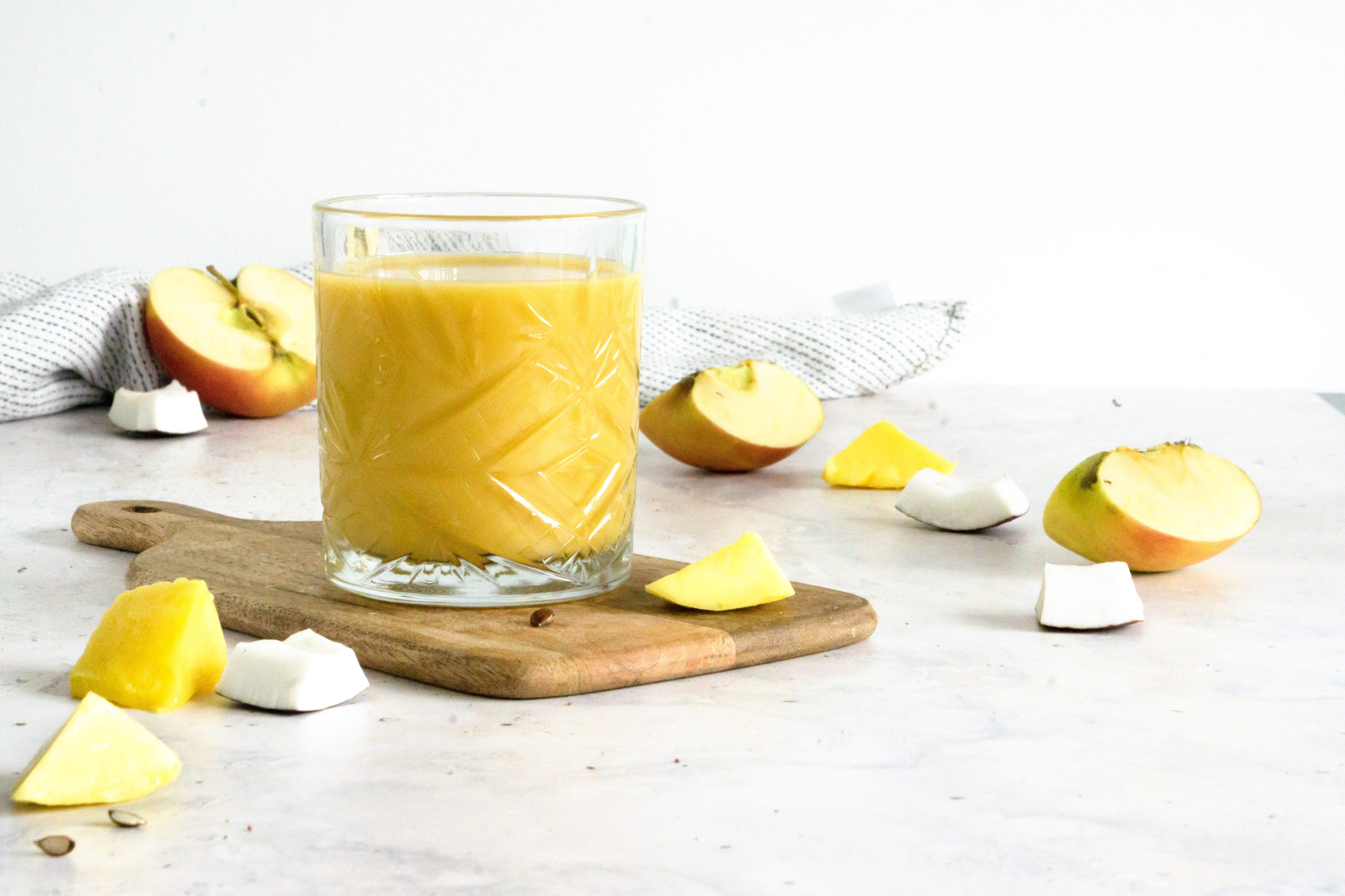 Smoothie met Mango, Kokos en Appel