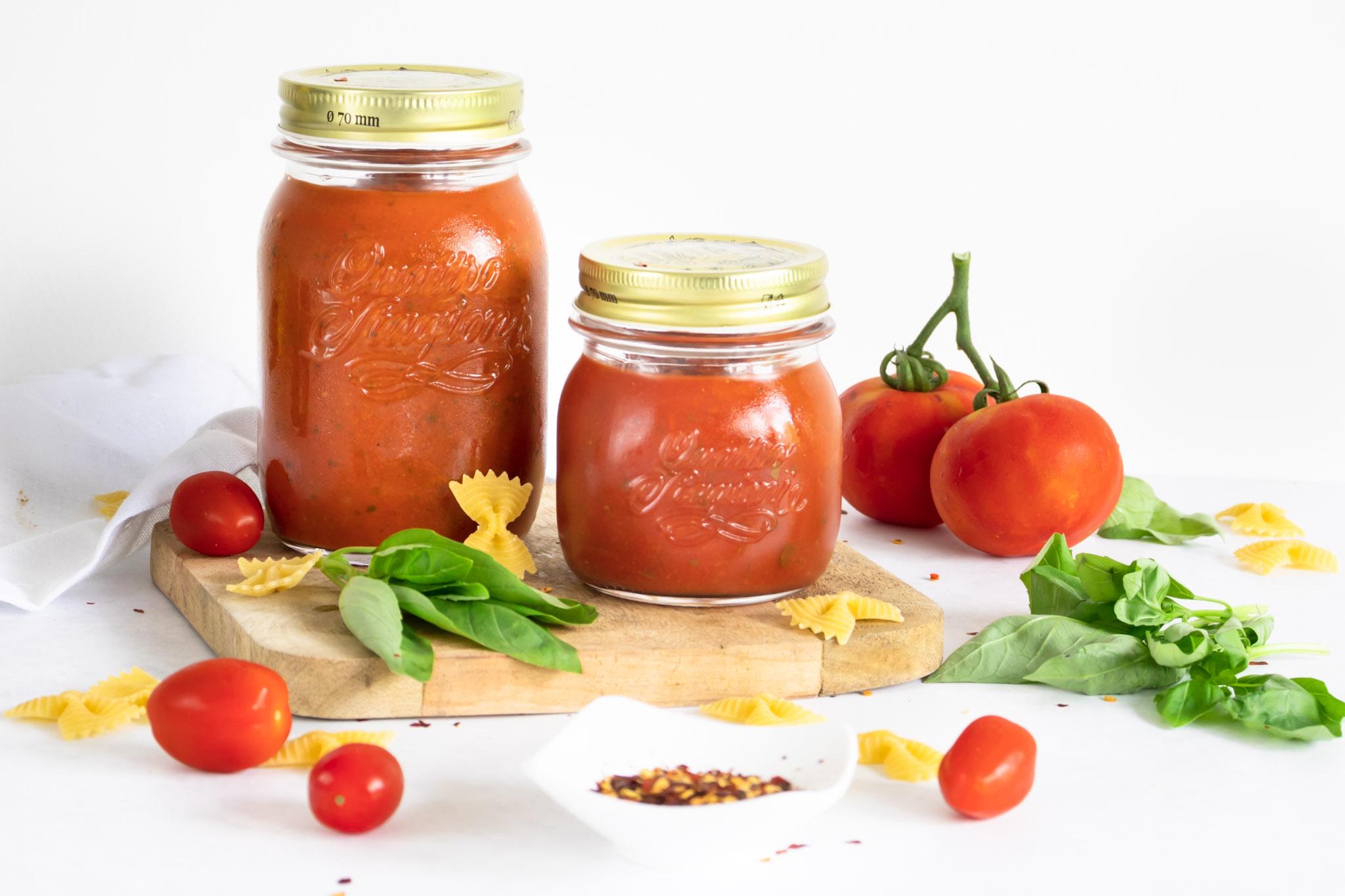 zelfgemaakte arrabiata saus