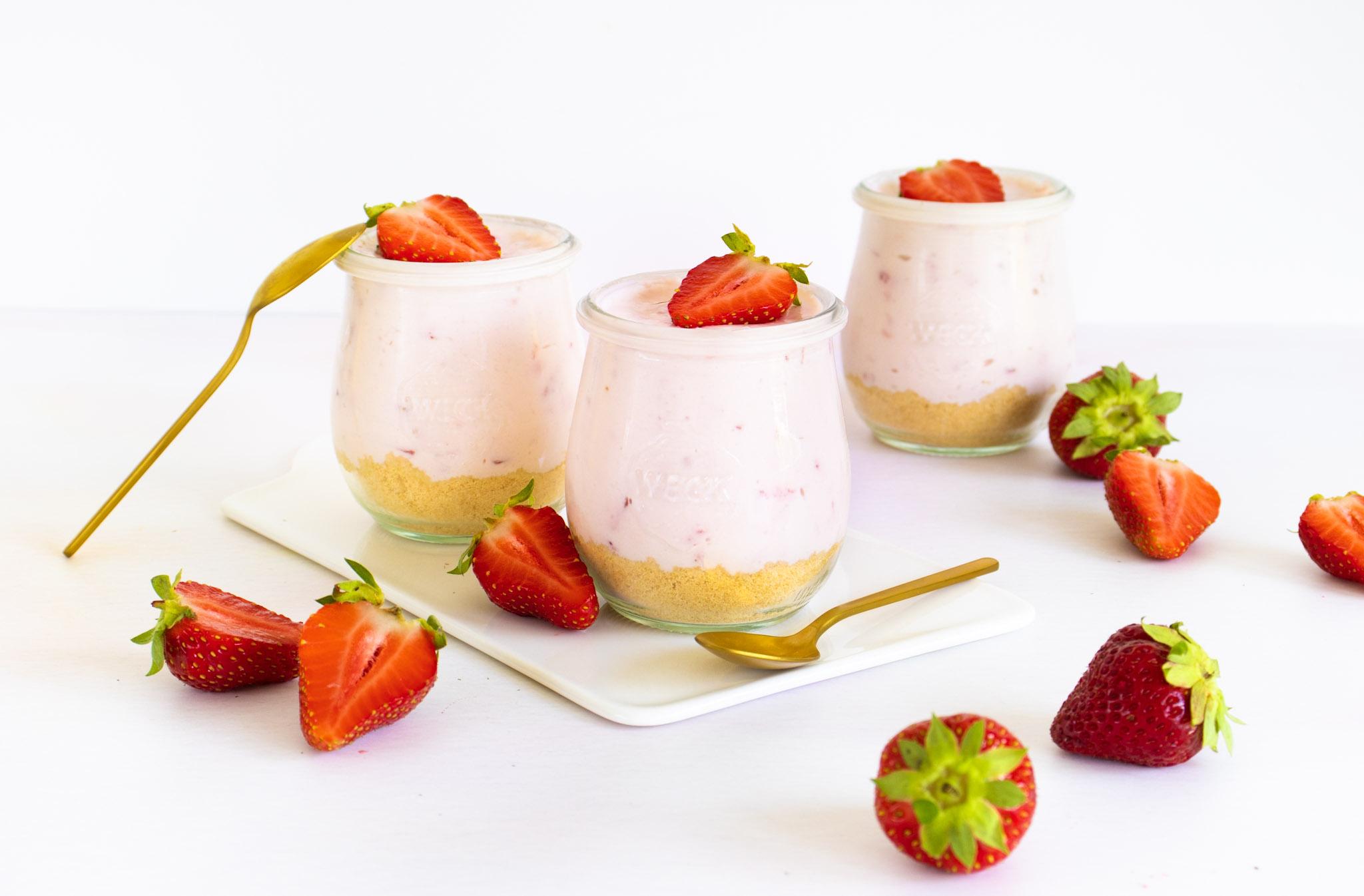 aardbeien cheesecake in een glaasje